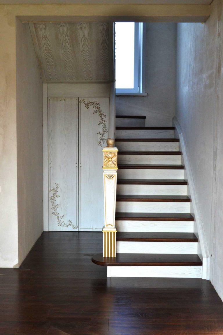 Двухмаршевая лестница с разворотом на 180 градусов