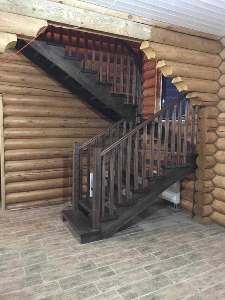 П-образная лестница с площадкой из 6-ти поворотных ступеней