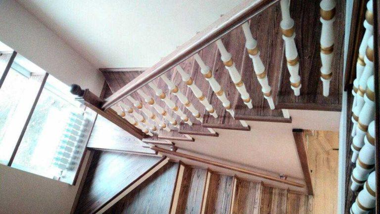 П-образная лесница с забежными ступенями
