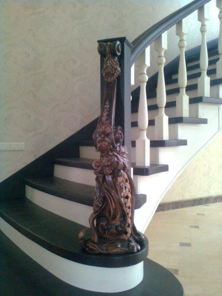 Деревянная лестница с прямым маршем