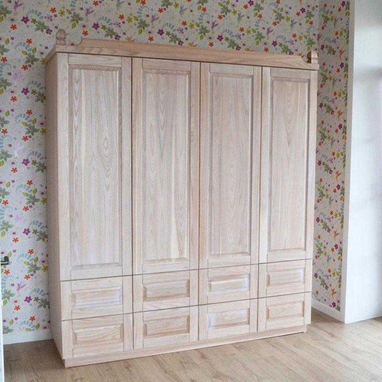 Шкаф с распашными дверями из массива ясеня